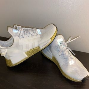 adidas Shoes - Adidas NMD R1 V2 size 5.5